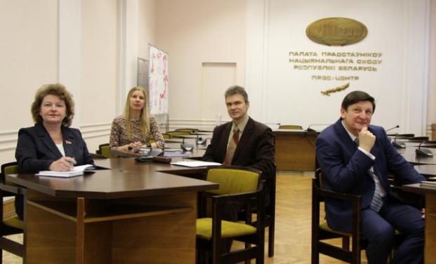 12 ноября 2020 года депутаты Палаты представителей Колеснёва Е.П. и Марзалюк И.А. приняли участие в круглом столе, посвященном обсуждению перспектив кодификации законодательства в области права интеллектуальной собственности.