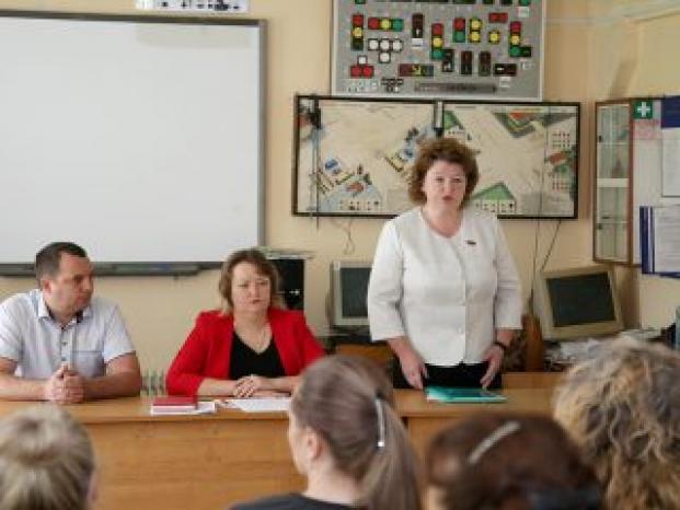 Общественная приемная депутата Колеснёвой Е.П. в организациях округа