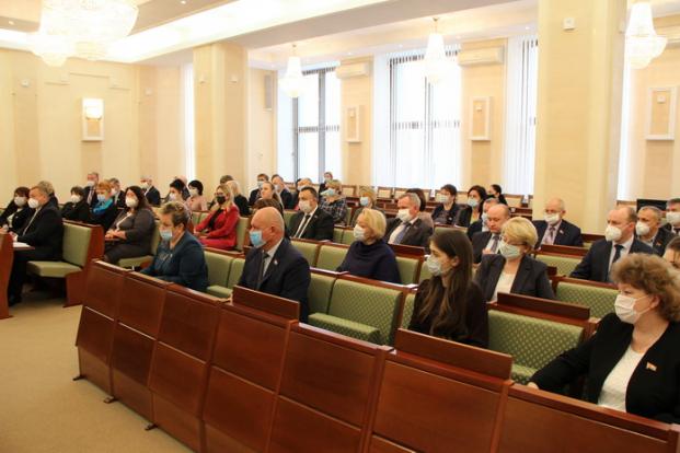20 ноября 2020 года  депутатский корпус провел заседание, на котором были обсуждены вопросы совершенствования механизма взимания государственной пошлины за выдачу разрешения на допуск транспортного средства к участию в дорожном движении.