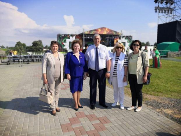Елена Колеснёва приняла участие в празднике «Александрия собирает друзей» в Шкловском районе